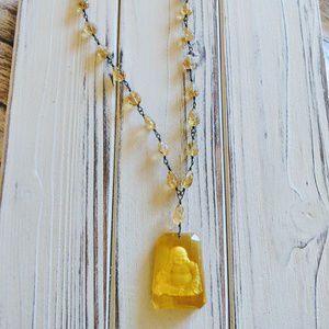 Jewelry - CARVED AMBER DELICATELY BEAUTIFUL NECKLACE